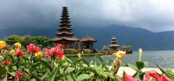 Bali, hòn đảo của lễ hội và đền đài