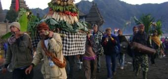 Lễ hội tế thần độc đáo ở Indonesia