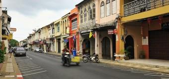 Khám phá khu phố cổ trầm lắng ở Phuket