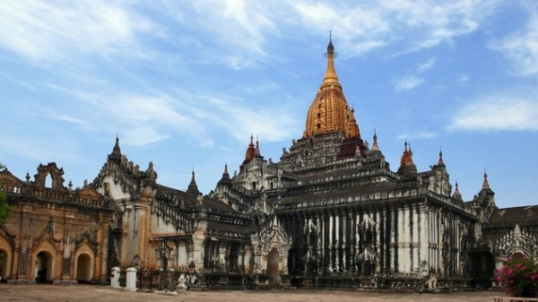 chùa ananda1