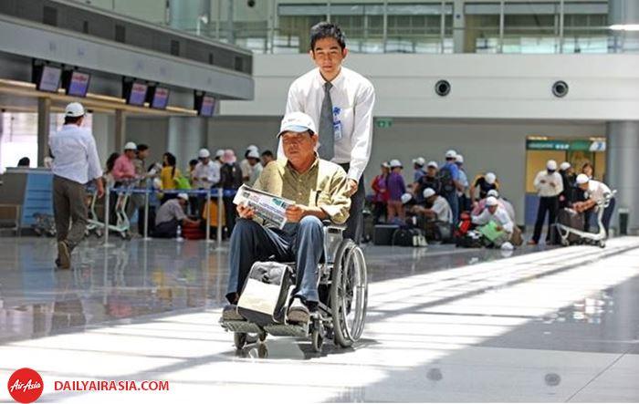 Hành khách hạn chế khả năng di chuyển trên chuyến bay
