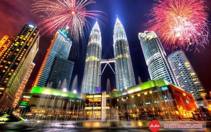Ngắm pháo hóa trên các công trình kiến trúc tại Malaysia