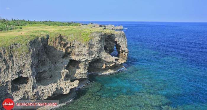 Cảnh thiên nhiên tuyệt vời của Mũi đá Manzamo
