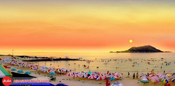 Jungmun - 1 trong những bãi biển đẹp nhất ở Jeju