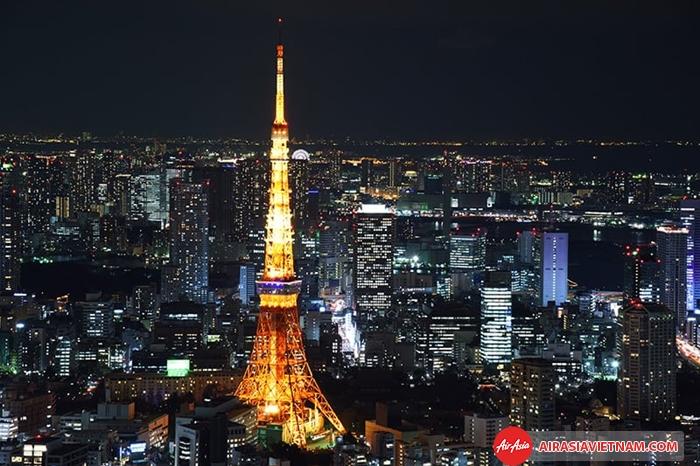 Tháp truyền hình Tokyo lung linh về đêm