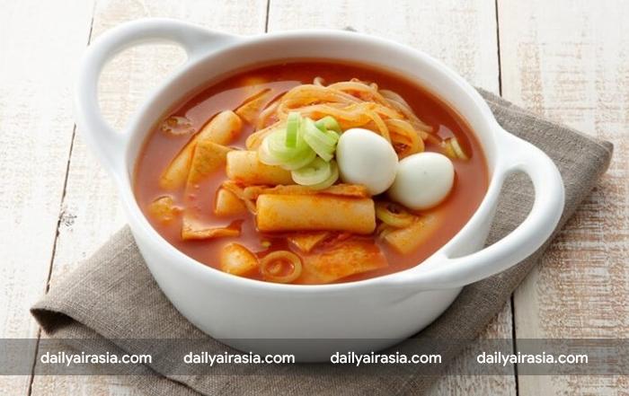 Món bánh gạo thơm ngon - Tteokbokki