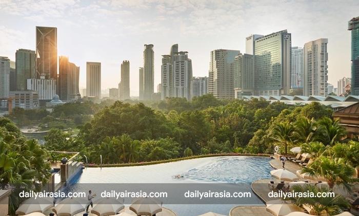 Kuala Lumpur có nhiều khách sạn đẹp. Còn đây là ban công của Mandarin Oriental Kuala Lumpur