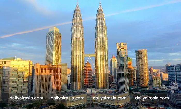 Đến Kuala Lumpur xem bóng đá, tham quan du lịch và thưởng thức ăn uống