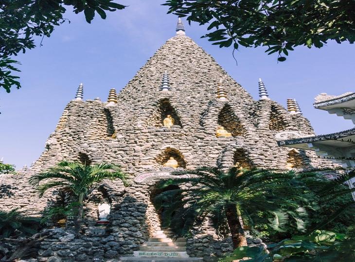 Chùa Từ Vân  – ngôi chùa vỏ ốc nổi tiếng của Nha Trang