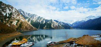 Khám phá hồ Thiên đường tại Tân Cương thu hút du khách